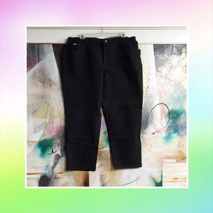 Lee Black Denim Jeans. Tapeted, Relaxed Fit. 24W